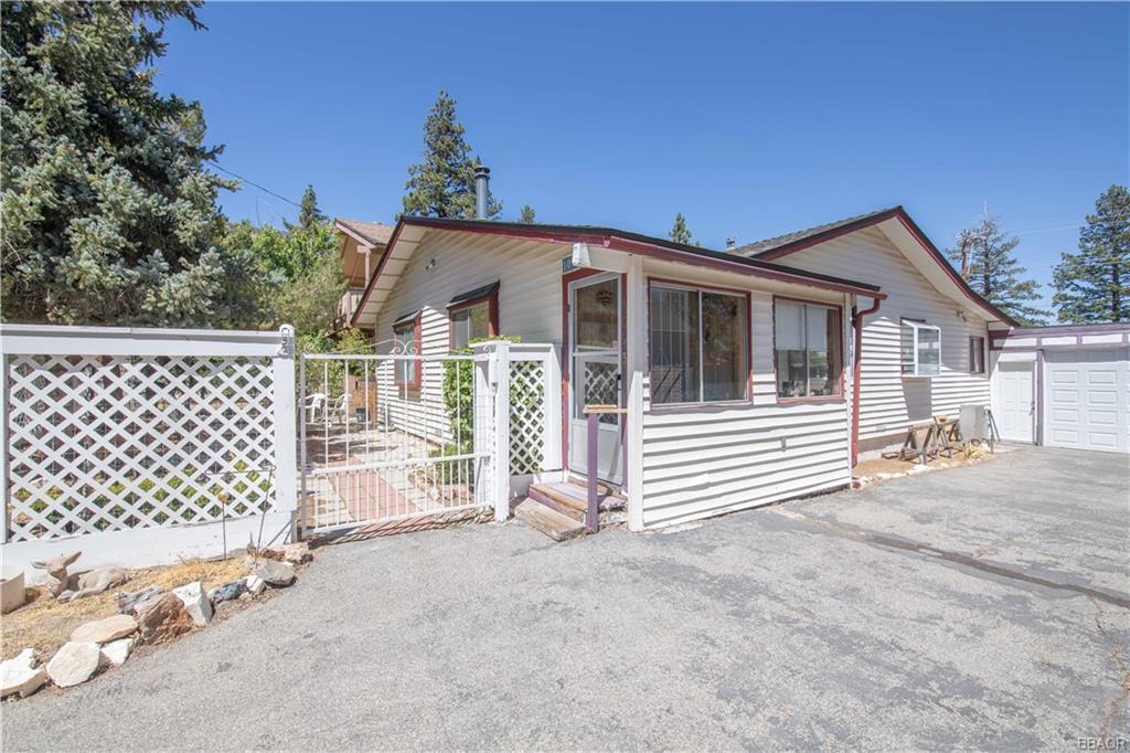 1093 Pan Springs Lane Property Photo