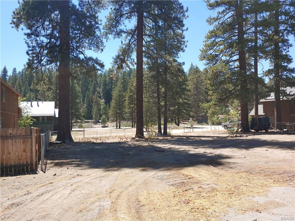 39214 Cherokee Drive Property Photo - Fawnskin, CA real estate listing