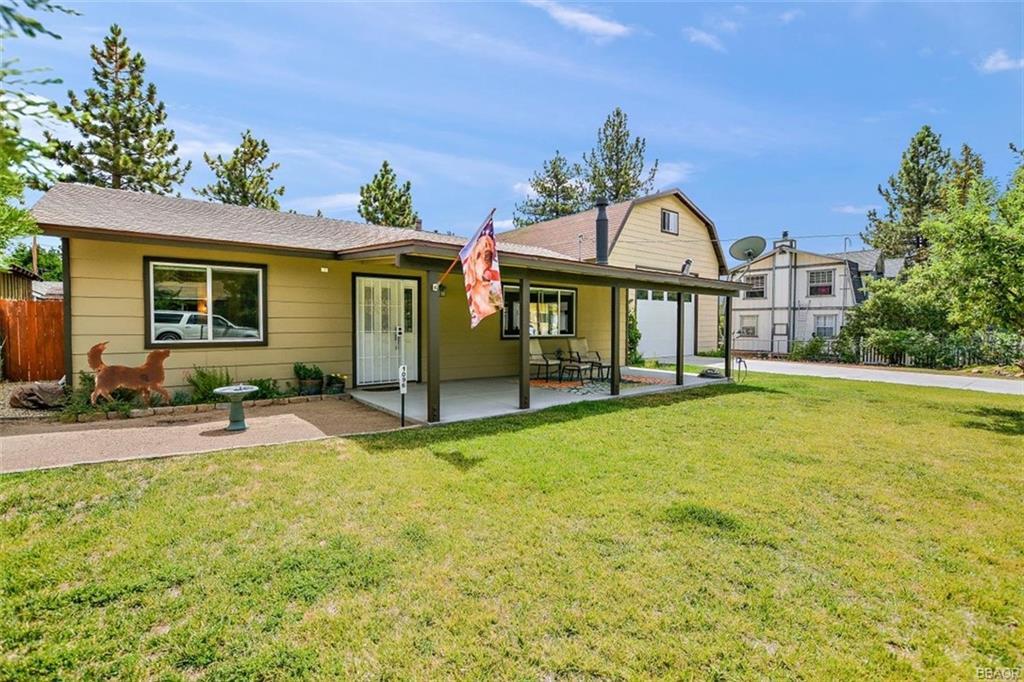 1096 Mount Doble Drive Property Photo
