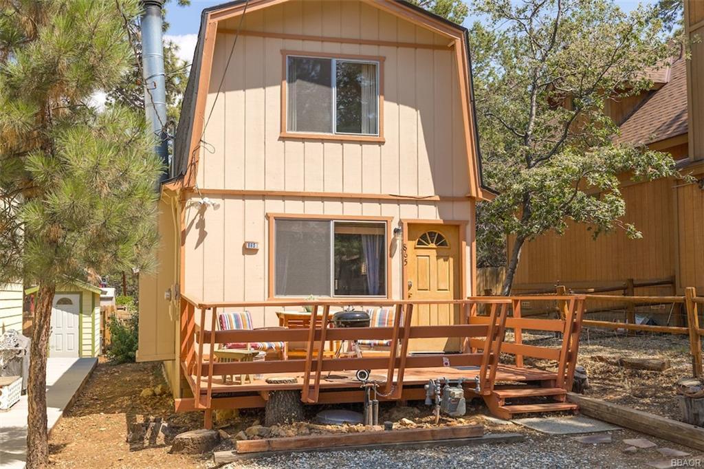 865 San Bernardino Avenue Property Photo