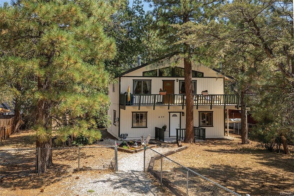 437 Wabash Lane Property Photo - Sugarloaf, CA real estate listing