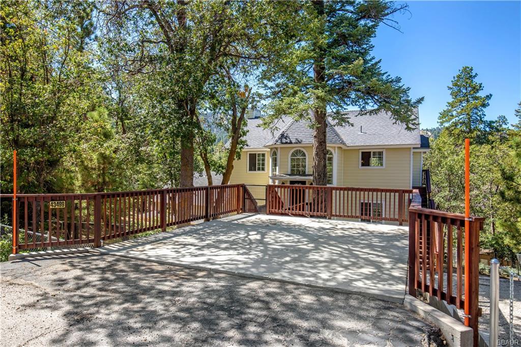 43499 Ridge Crest Drive Property Photo