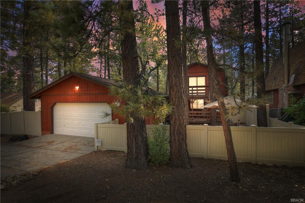 327 Victoria Lane Property Photo - Sugarloaf, CA real estate listing