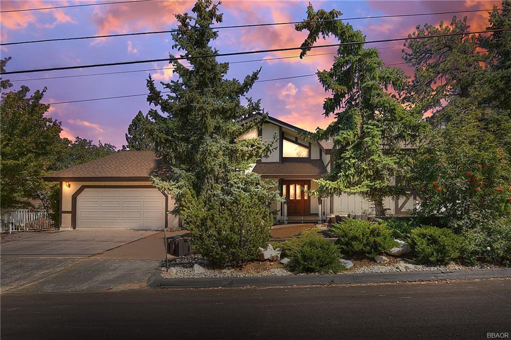 1394 Flintridge Avenue Property Photo