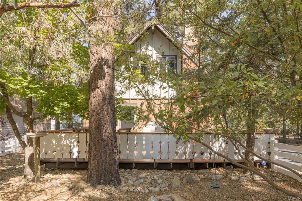919 Mountain Lane Property Photo