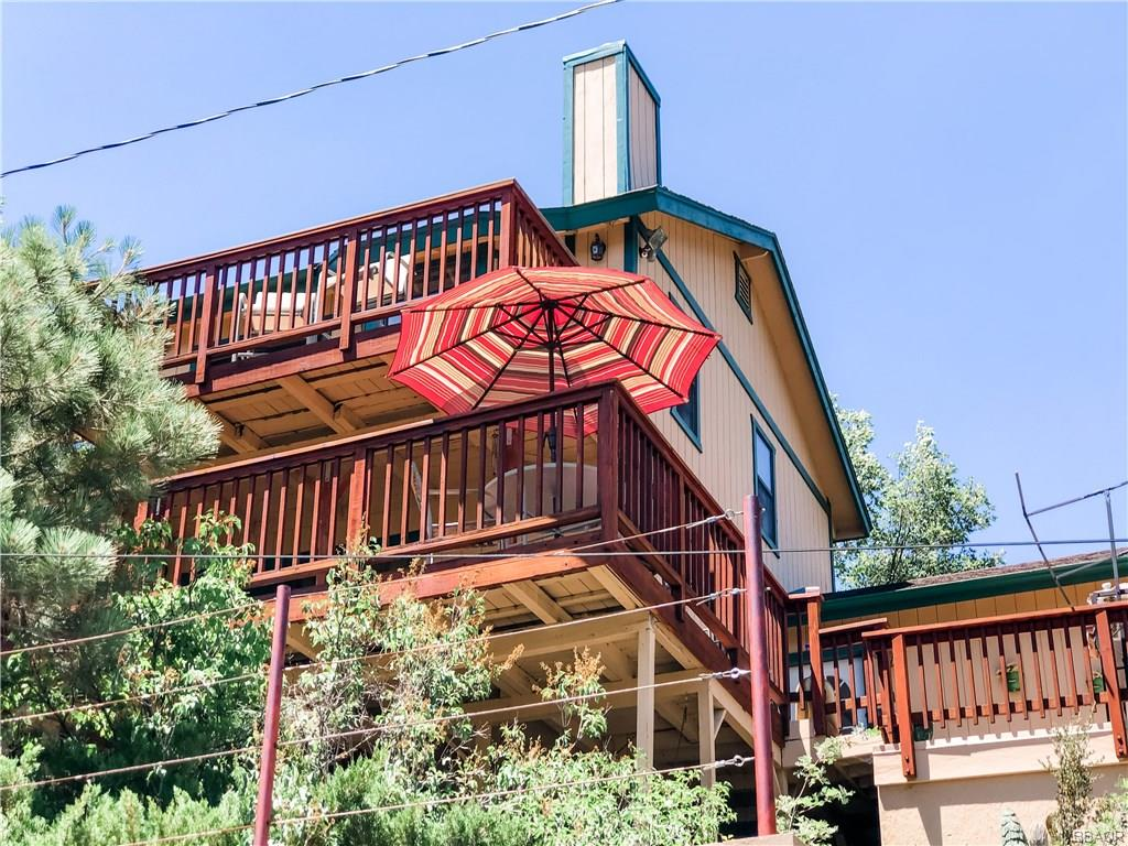 1090 Bruin Trail Property Photo - Fawnskin, CA real estate listing