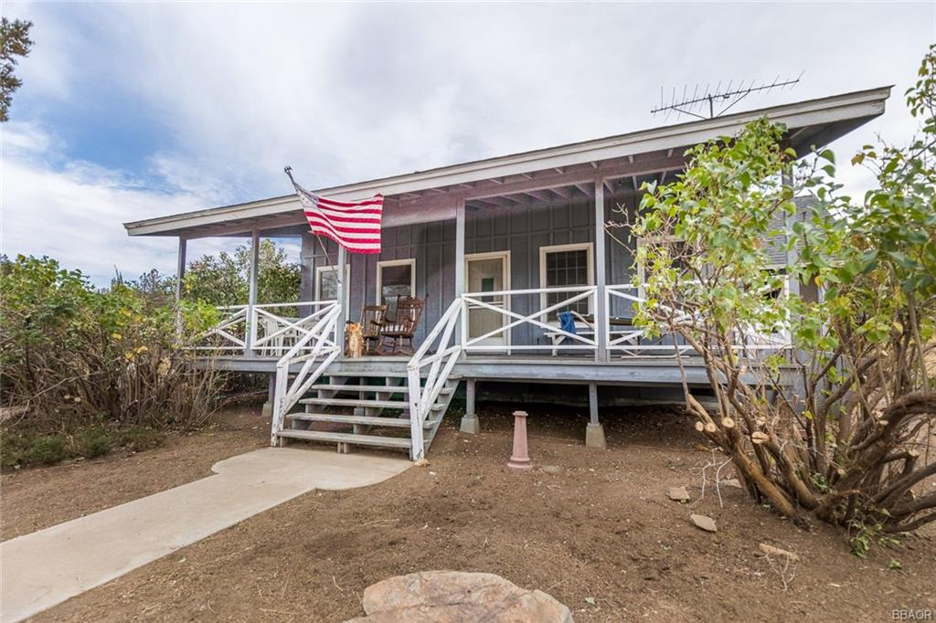 46867 Pioneertown Road Property Photo