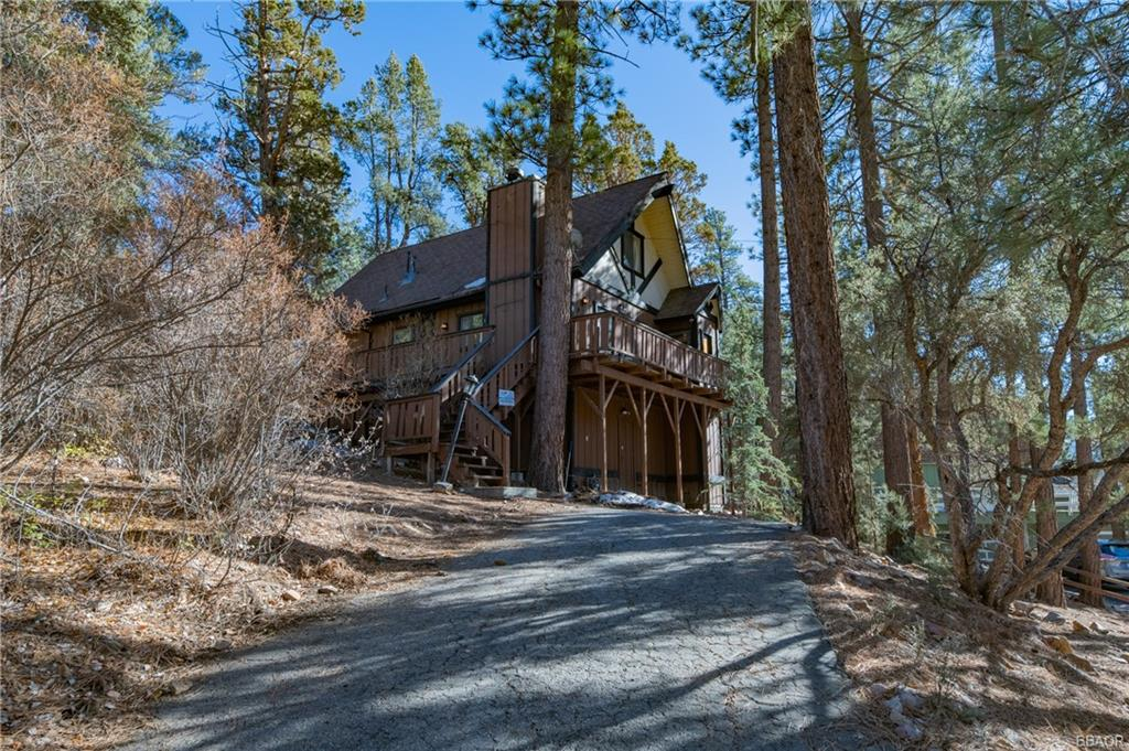 912 Bear Mountain Road Property Photo
