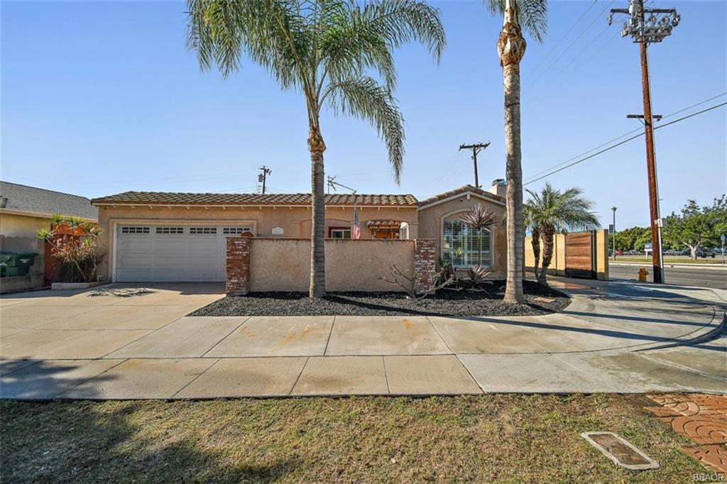 Huntington Beach Real Estate Listings Main Image