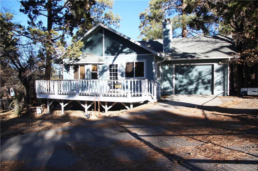 805 Holmes Lane Property Photo