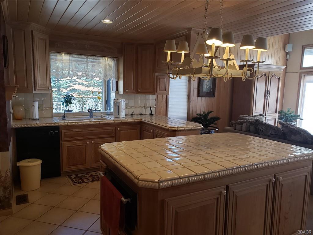 39200 Seminole Drive Property Photo 17