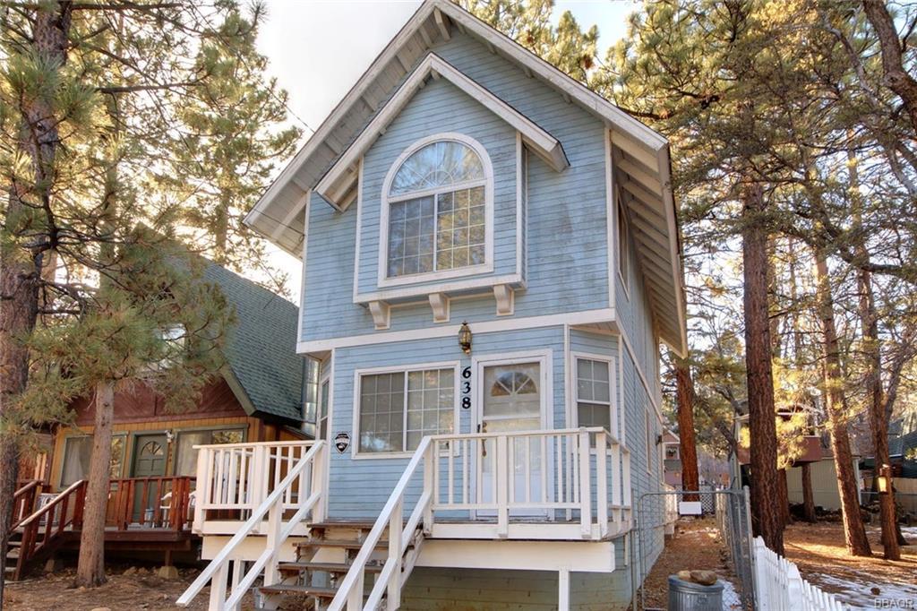 638 Spruce Lane Property Photo