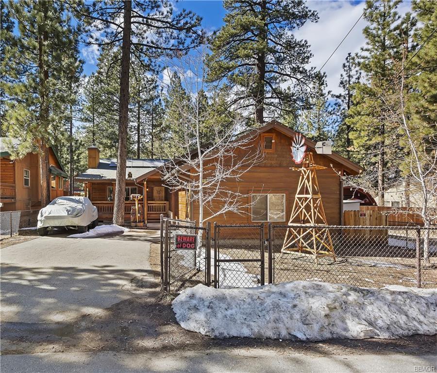 416 Mountainaire Lane Property Photo