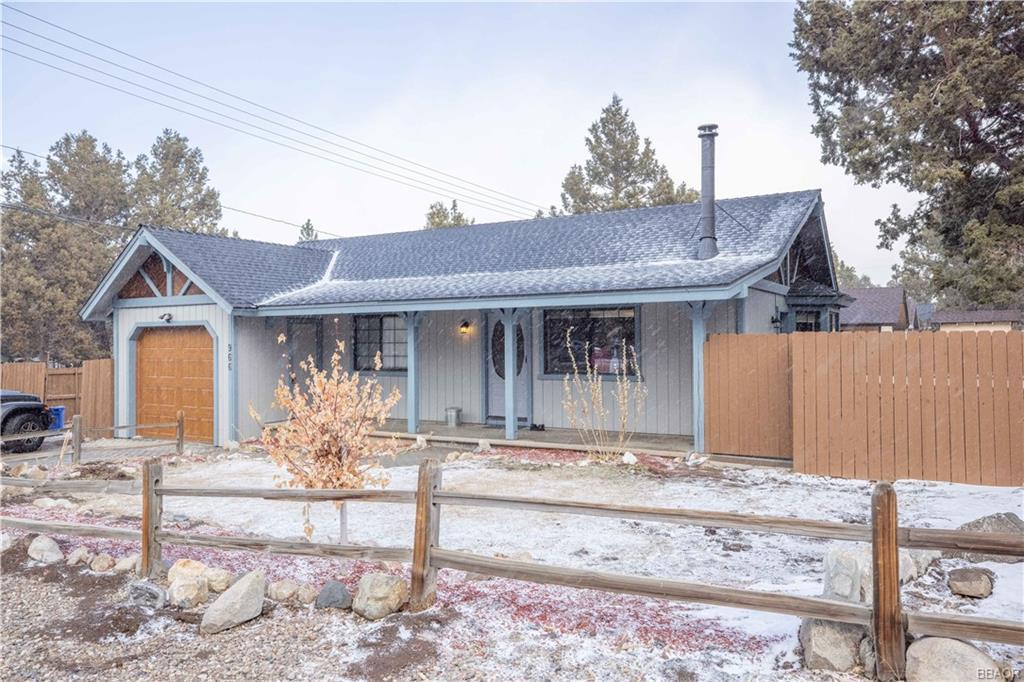 966 Central Lane Property Photo