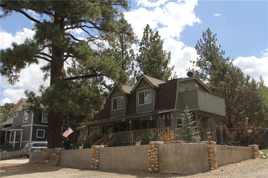 1048 G Lane Property Photo