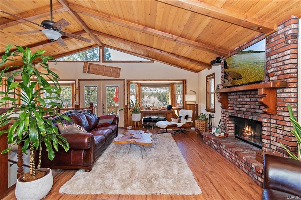 42889 Monterey Street Property Photo