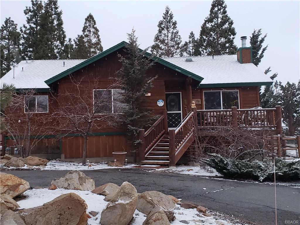 667 Villa Grove Avenue Property Photo