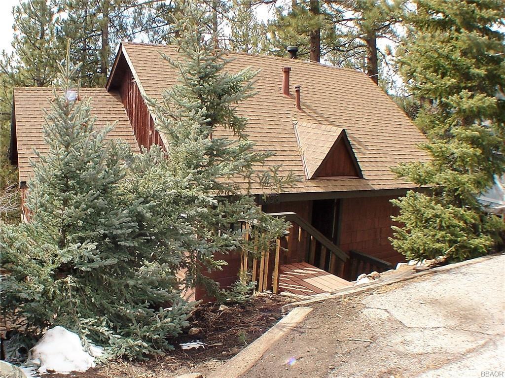 1038 Brookside Lane Property Photo 1
