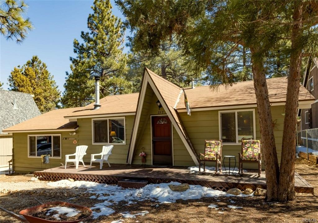 257 Moreno Lane Property Photo - Sugarloaf, CA real estate listing
