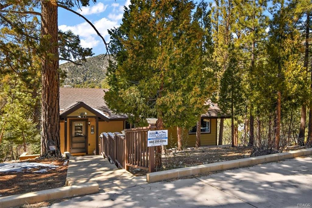 1047 Lookout Mountain Road Property Photo