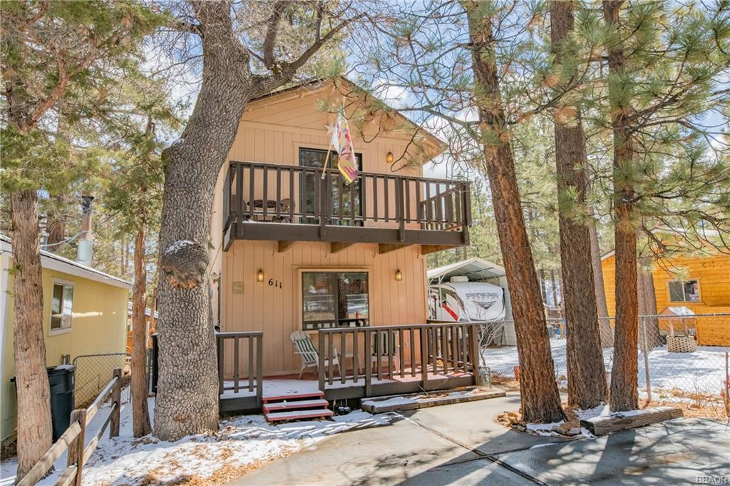 611 Spruce Avenue Property Photo