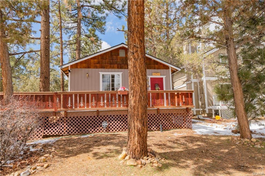 466 Spruce Avenue Property Photo