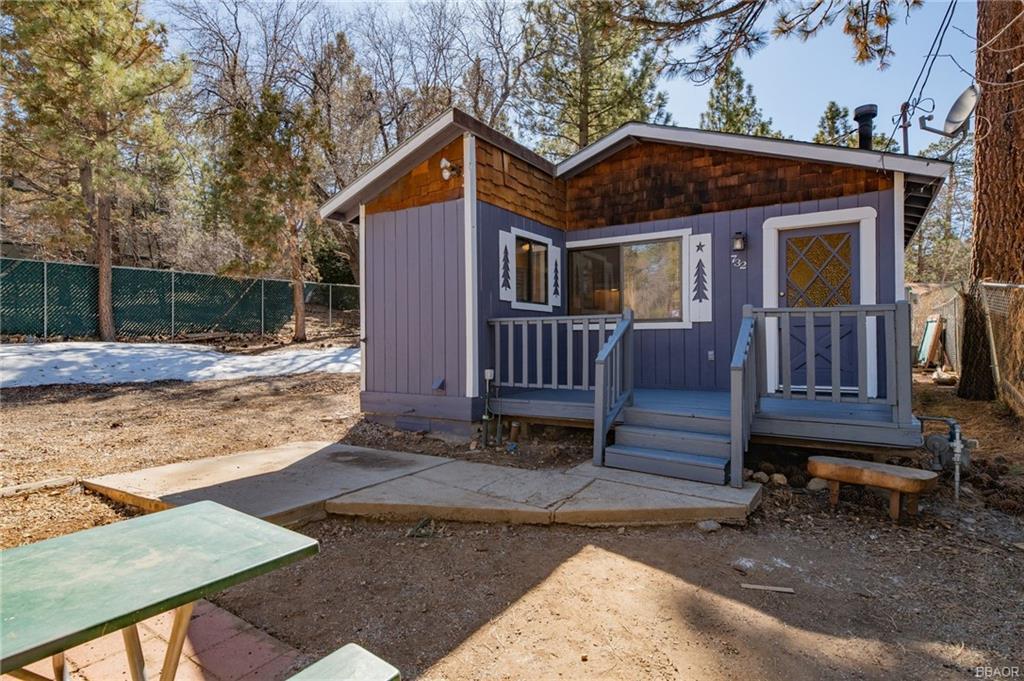 732 Maple Property Photo