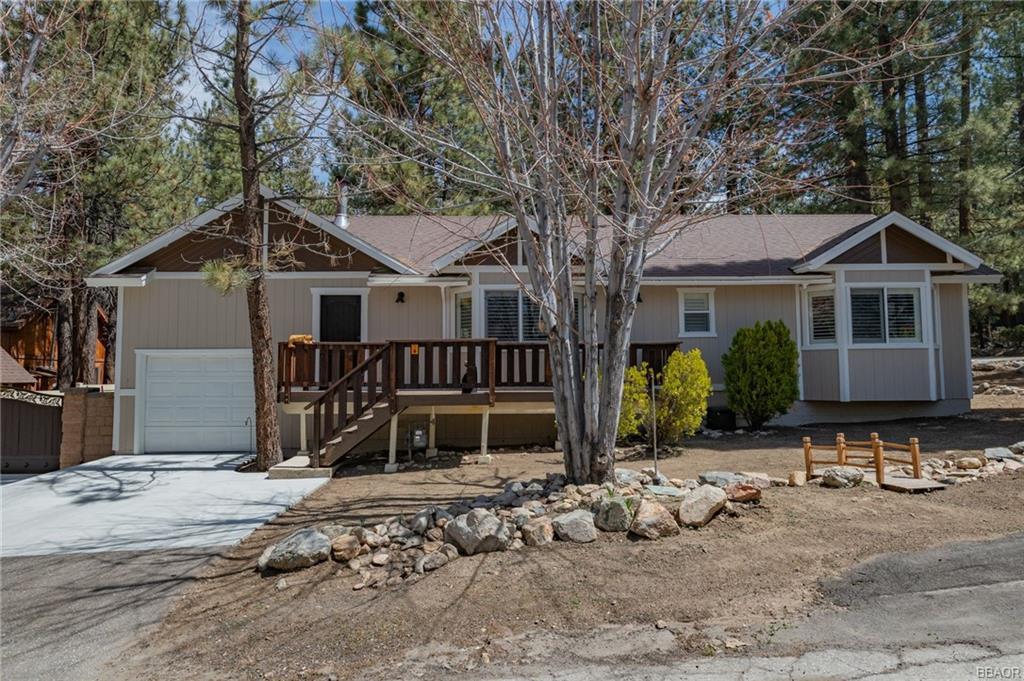 41432 Oak Street Property Photo