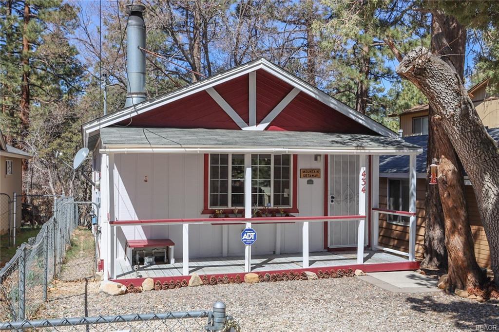 434 Sunset Lane Property Photo