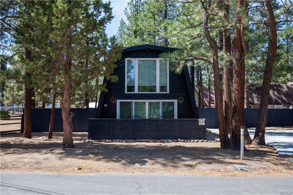 529 Pinewood Drive Property Photo