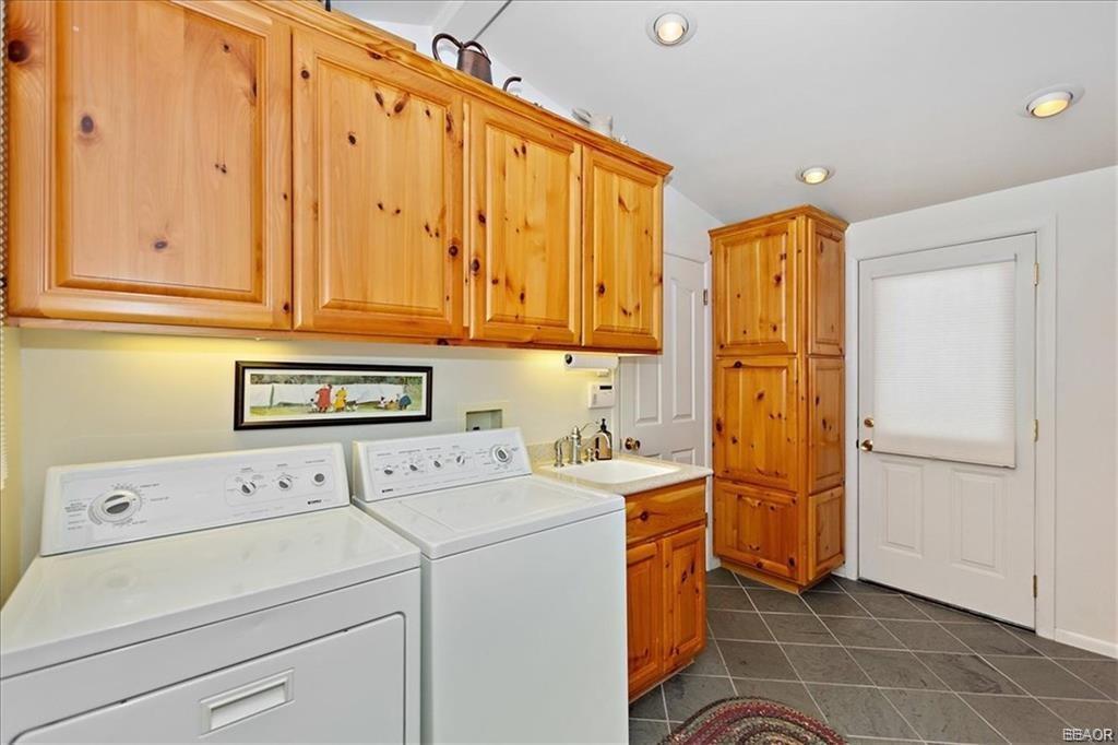 239 North Eureka Drive Property Photo 24