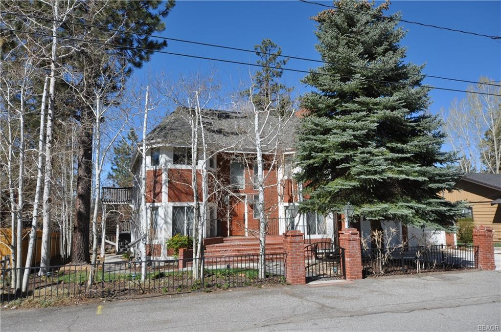 102 N Finch Drive Property Photo 1