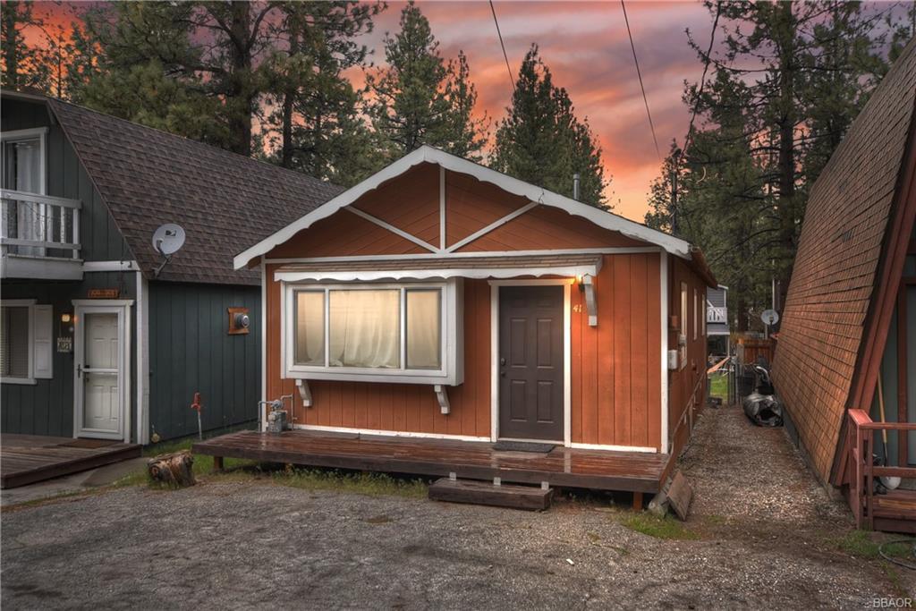 413 W Sherwood Boulevard Property Photo