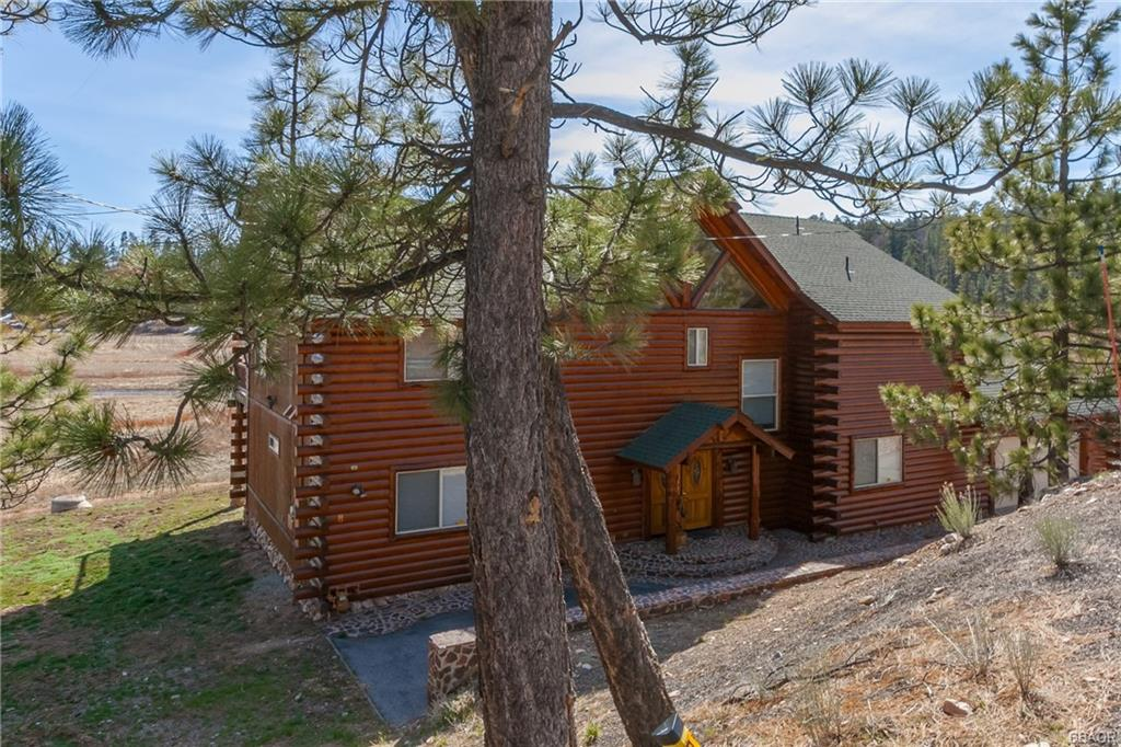 39309 N Shore Drive Property Photo 1