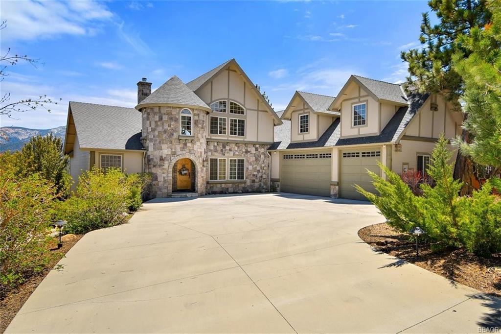 381 Glenwood Drive Property Photo 1