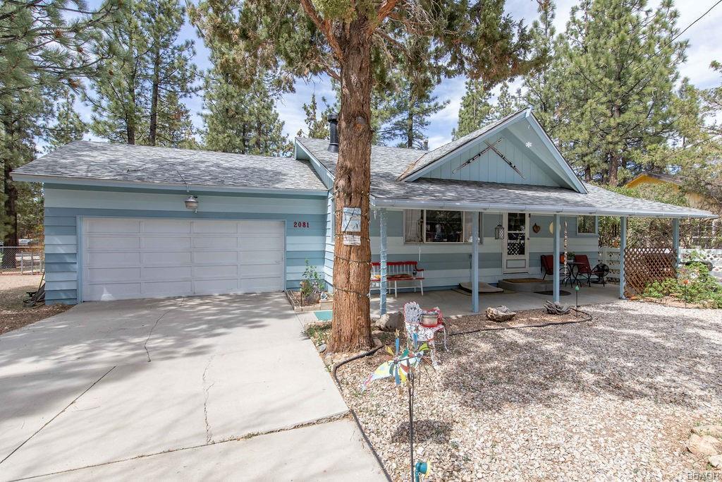 2081 7th Lane Property Photo 1
