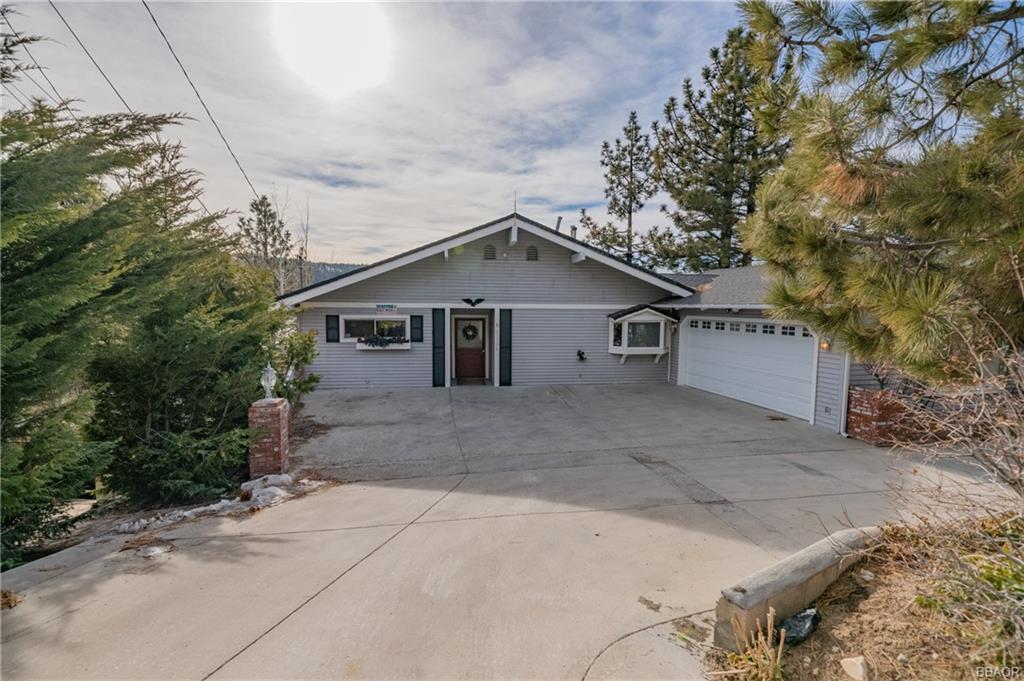 39599 Lake Drive Property Photo 1