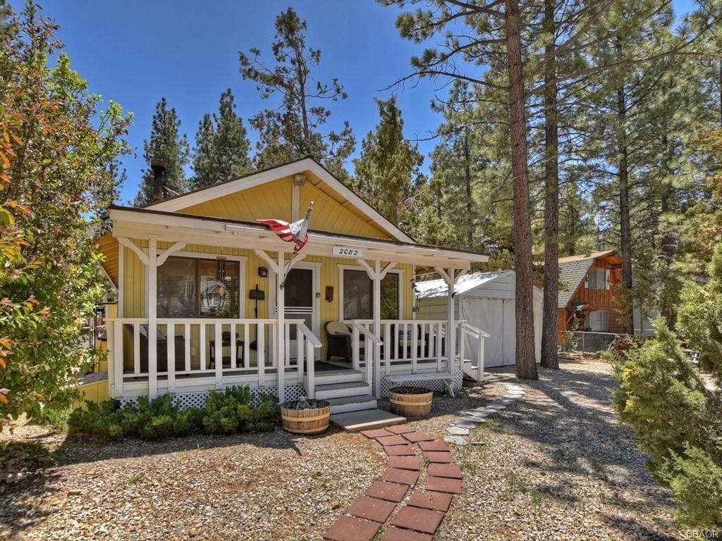 2082 4th Lane Property Photo 1