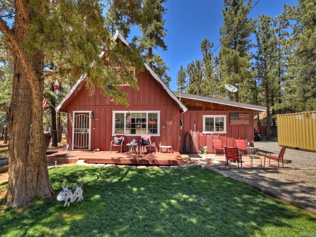 2051 3rd Lane Property Photo 1