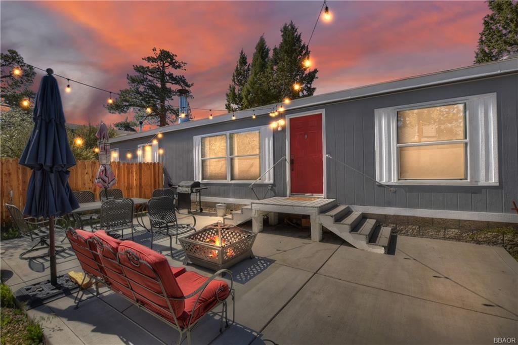 646 Los Angeles Avenue Property Photo 1