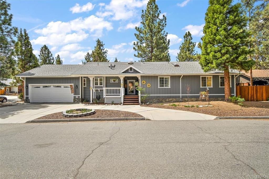 410 E Barker Boulevard Property Photo