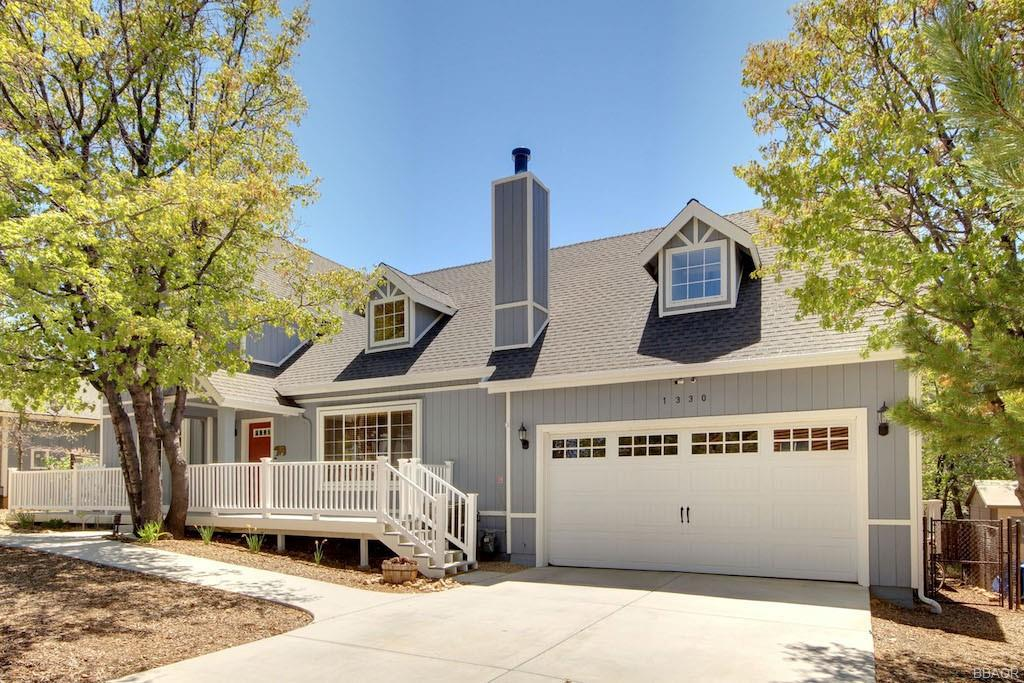 1330 La Crescenta Drive Property Photo 1