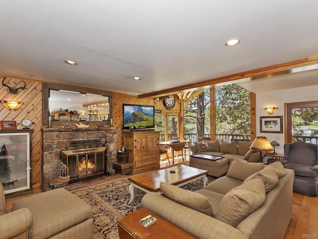 39513 Lake Drive Property Photo 9