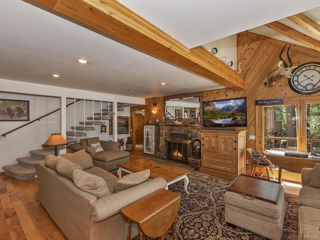39513 Lake Drive Property Photo 10
