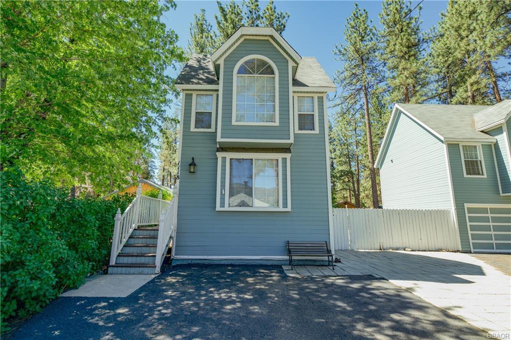 1118 W Sherwood Boulevard Property Photo 1