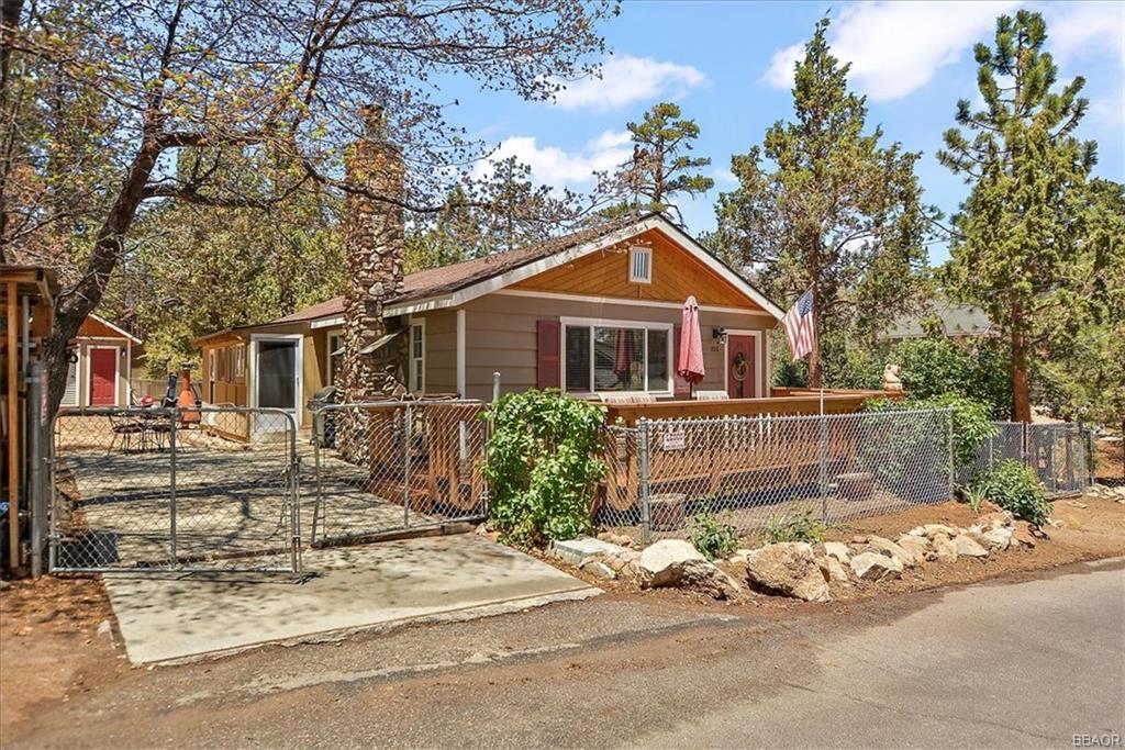 730 Leonard Lane Property Photo