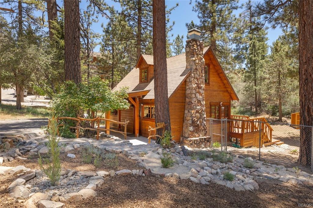 42779 Conifer Drive Property Photo 1