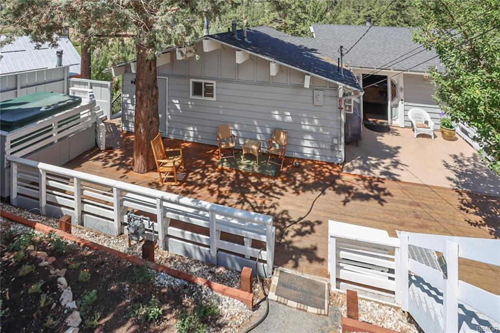 1010 Brookside Lane Property Photo 1