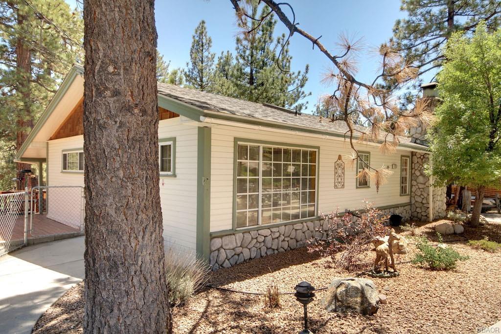 1054 Fawnskin Drive Property Photo 1