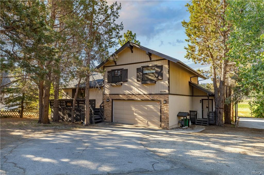 42379 North Shore Drive Property Photo 1